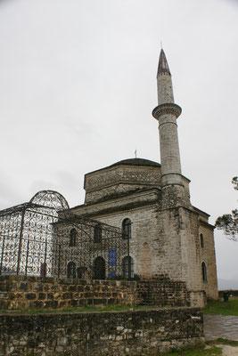 Die Moschee und das Grab aus osmanischer Zeit