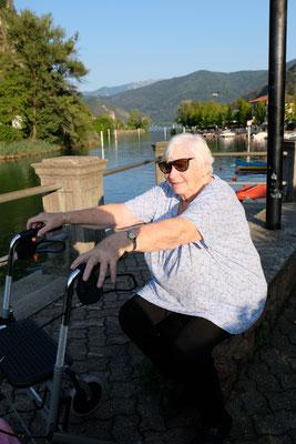 Auch für ältere Leute, wie unser Mami mit Rollator, ist der Ort ideal.