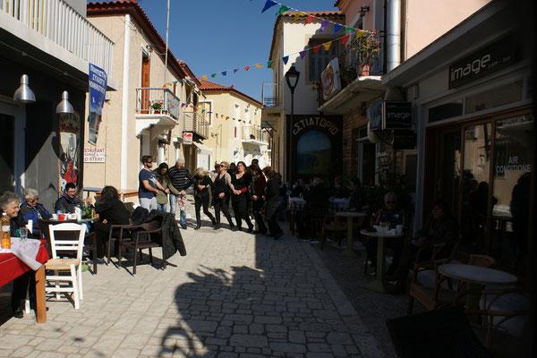 Die Hauptstrasse von Finidouka