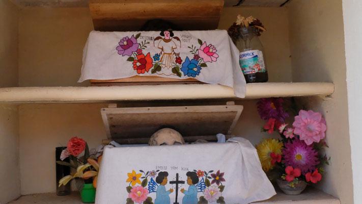 ... mit dem ganz speziellen Totenkult