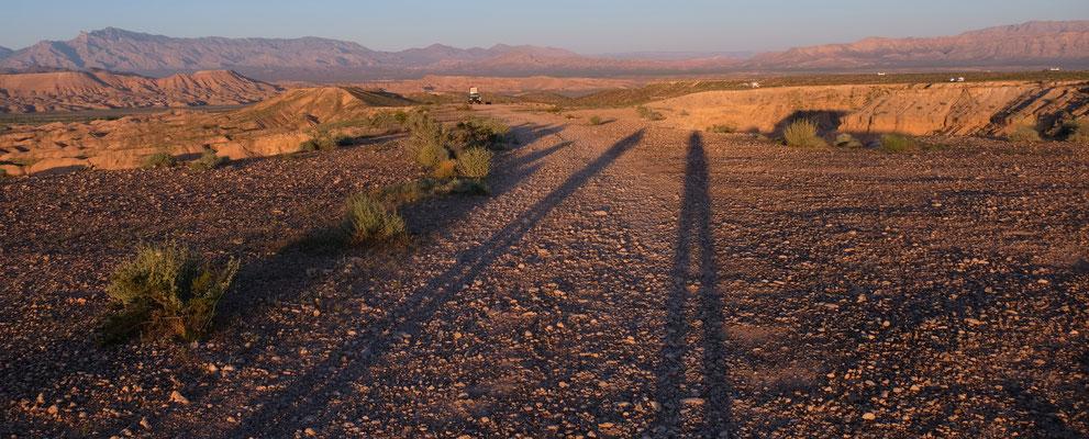 Die Schatten werden länger und Achtung...