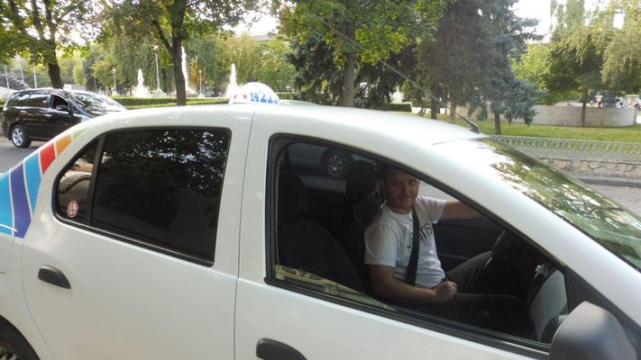 Unser Retter der Taxifahrer. Sonst würden wir wohl jetzt noch in Chisinau rumirren und schwitzen.