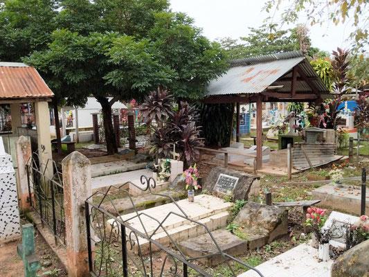 Der Friedhof von Rurrenabaque