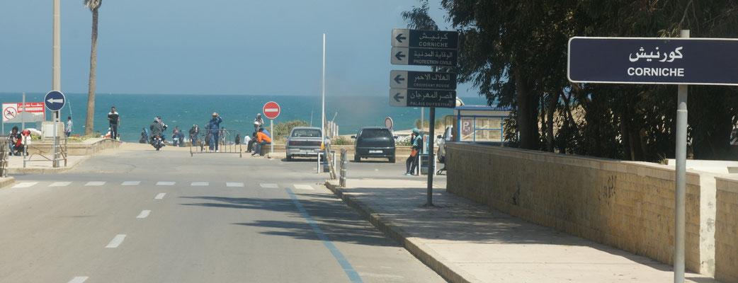 Ankunft am Meer in Saidia. Links Marokko, rechts Algerien