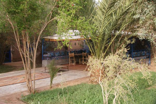 der schöne Garten auf dem Campinplatz
