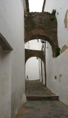 Noch schmalere Gässchen in Monsaraz