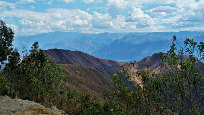 Der Blick auf die andere Seite der Berge