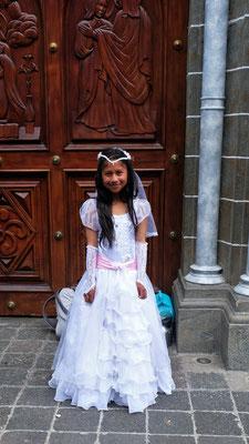 Eine ganz junge Braut.
