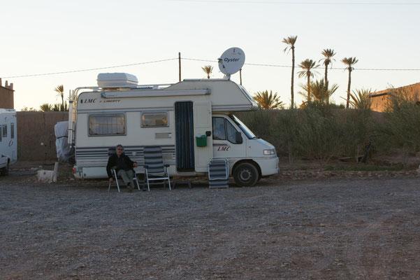 Zufrieden aber geschafft in Skoura auf dem Camping