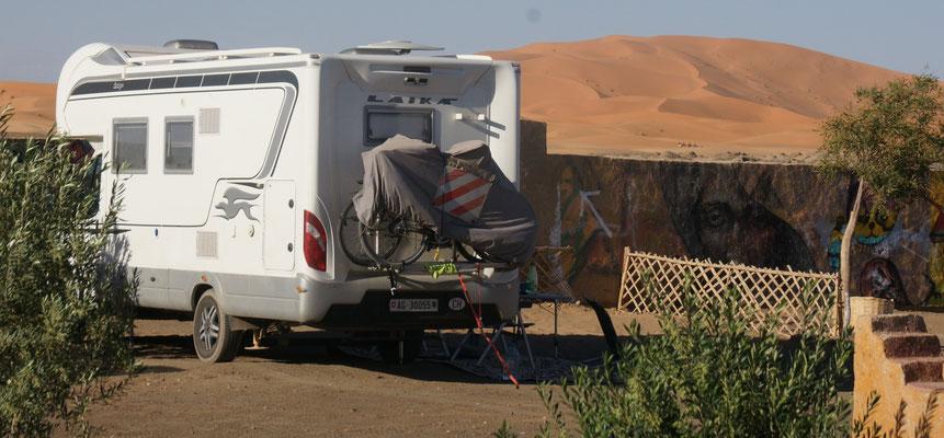"""Auf dem Campingplatz """" Secret Sahara"""" direkt an den Dünen in Haslilabiad"""