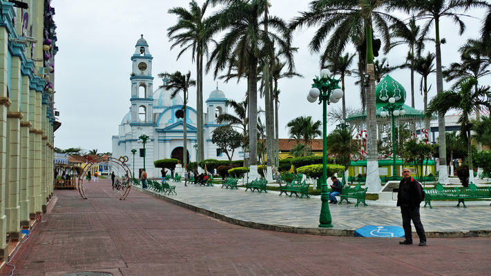 Grosser Platz und mehrere Kirchen