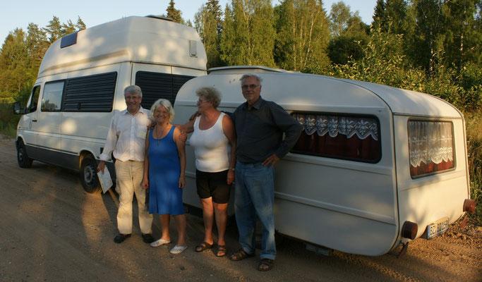 Klaus, Ingrid, Eberhardt und Margot mit ihrem Gespann