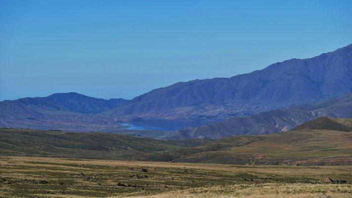 Blick hinunter zum Stausee von Tafi del Valle