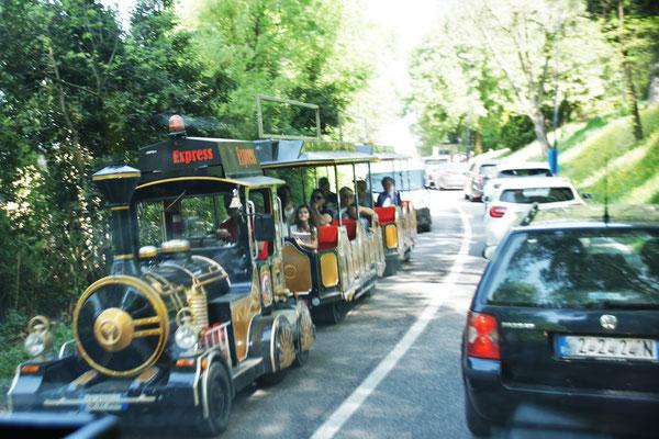 Bereits beim Wegfahren von Borghetto, sehr viel Verkehr.