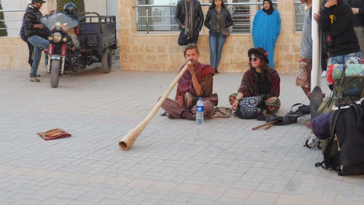 Nicht nur Marokkanische Strassenkünstler. Fremde Klänge