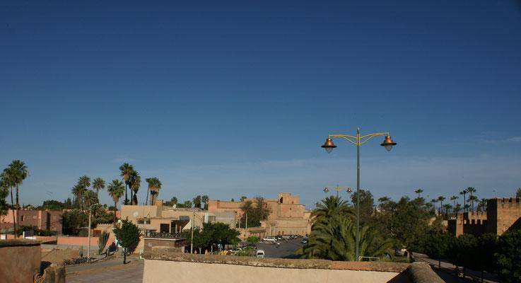 Blick von der Mauer über die Medina