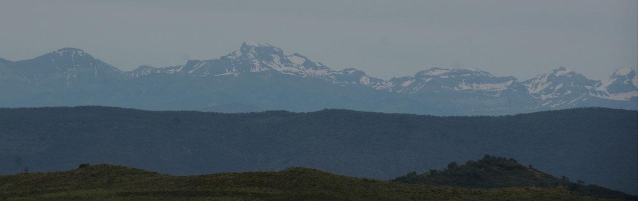 Irgendwo da rüber, über die Pyrenäen führt uns unser Weg morgen