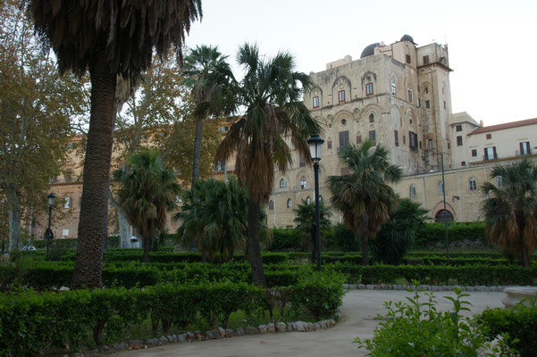 Das Castello von der anderen Seite.