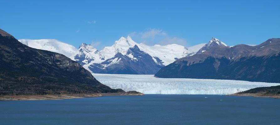 Am Morgen nur Sonnenschein. Erster Blick auf den Perito Moreno
