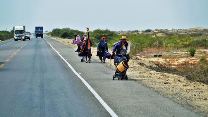 Für einmal kommen uns die Pilger auf der Panamericana entgegen