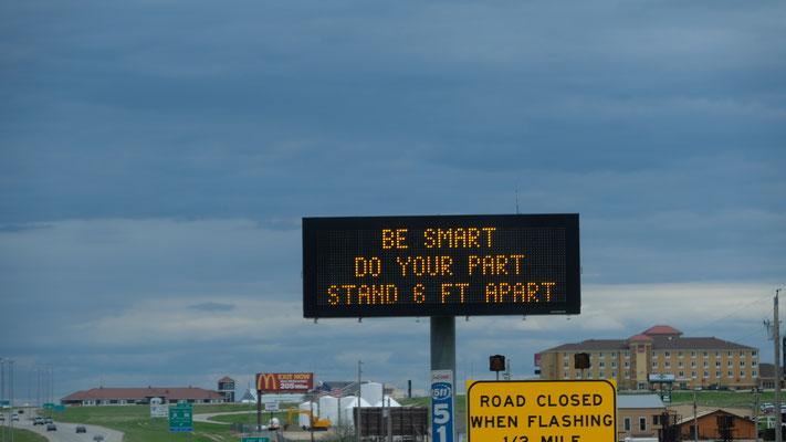 es gibt keine Restriktionen in South Dakota,  aber Vorsicht sollen sie walten lassen.