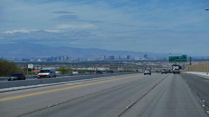 Und sehen schon bald wieder die City von Las Vegas.....