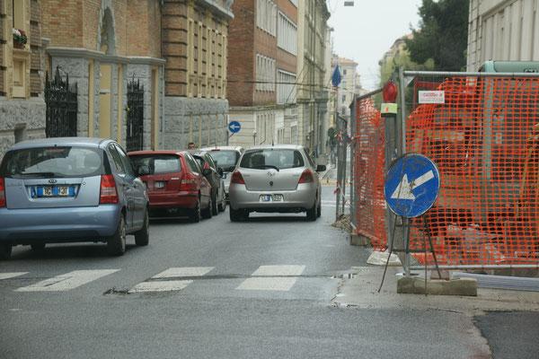 Unser Navi will da durch.  Wir machen lieber einen kleinen Umweg in Ancona