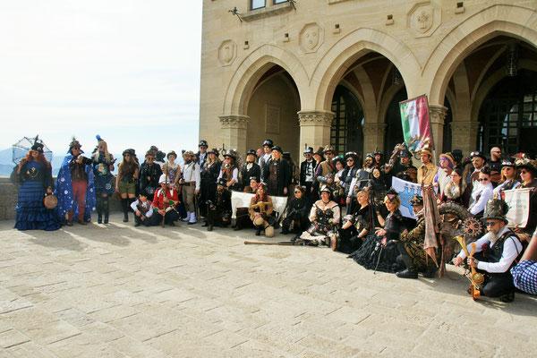Fototermin der Kostümierten