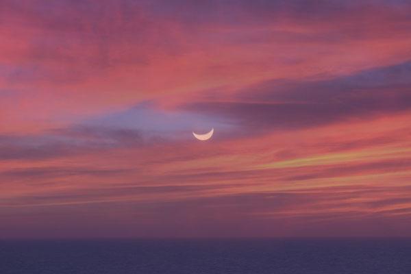 Der Mond zeigt sich