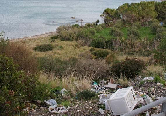 ..... sieht man über den Abfallberg hinweg