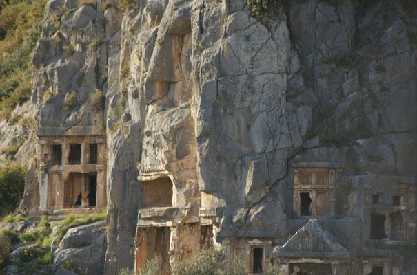 Grabhöhlen in Myra