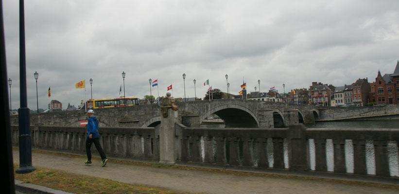 Namur an der Maas, beim Vorbeifahren