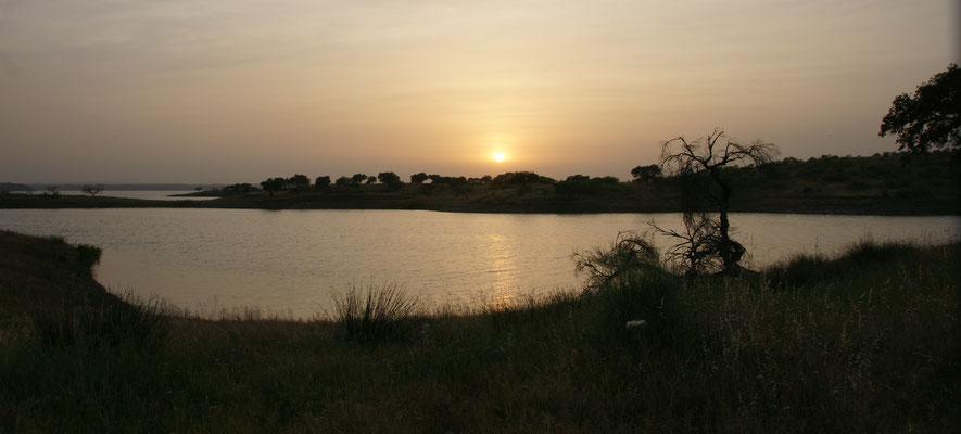 Sonnenuntergang in Estrela am Stausee
