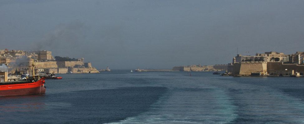 Wir fahren rein nach Valletta
