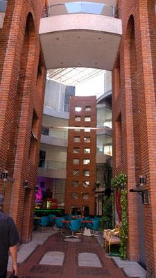 Hinter den Fassaden ist es ganz modern.