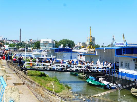 Sie wollen ins Donaudelta, wo es mit dem Auto nicht geht.