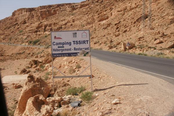 Da runter geht es zu unserem Campingplatz Tissirt.