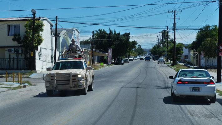 In La Paz nachtürlich wieder Sicherheitskräfte unterwegs