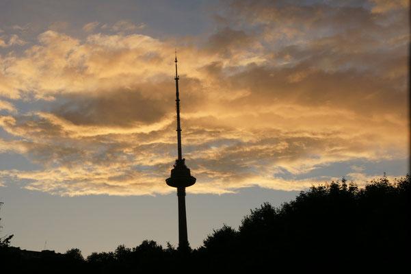 Fernsehturm im Abendlicht