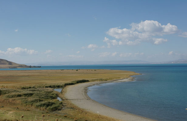 Vam See auf 1720m. Der 7x so grosse See wie der Bodensee, ist der grösste in der Türkei