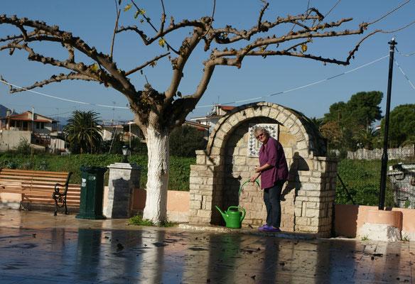 Auch hier gibt es Brunnen, wenn auch dünner gesät, als in der Türkei
