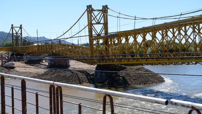 Temuco. Ueber diese Brücke fährt wohl kein Zug mehr