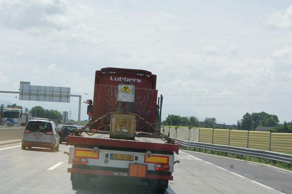 Haben diesen Transporter möglichst schnell hinter uns gelassen.