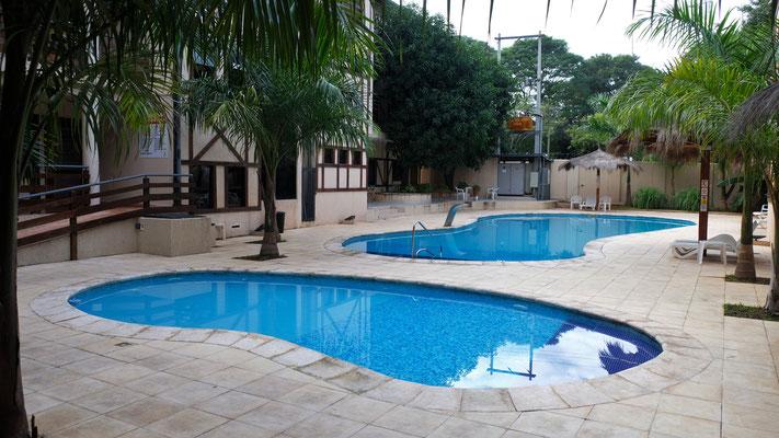 ... mit einem herrlichen Pool