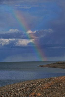 Ein Regenbogen in Rio Gallego.