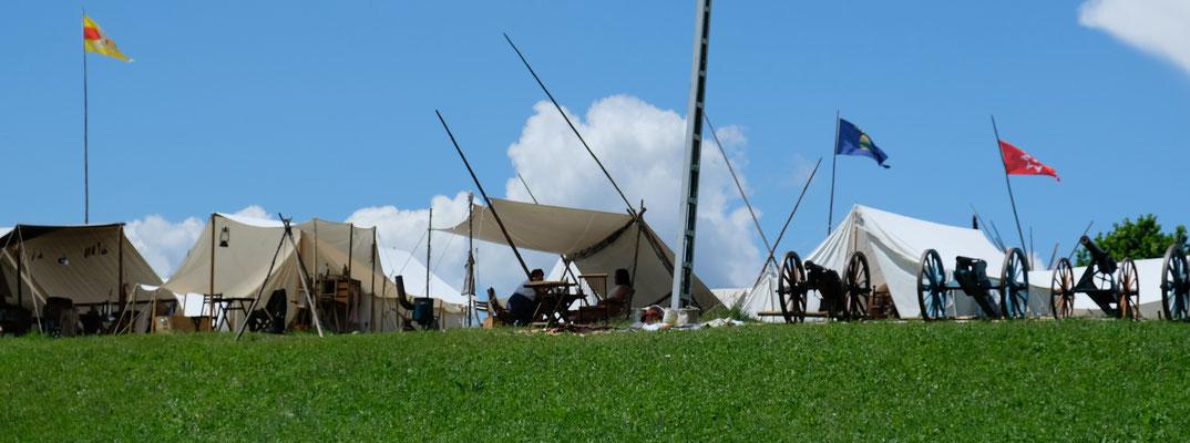 Die Kanonen sind ausgerichtet und werden täglich abgeschossen.