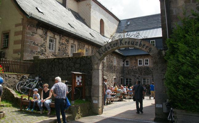 Koster Kreuzberg ganz schön beliebt bei den Touris, das muss am Bier  Eigenbräu liegen