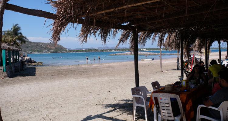Endlich am Strand mit dem Wohnmobil. Auf der Isla de la Piedra herrscht fast Normalbetrieb.