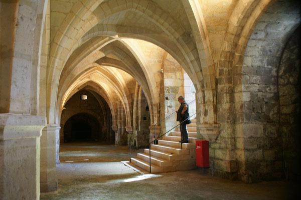 Der Keller hat genau den gleichen Grundriss, wie die Kirche darüber.