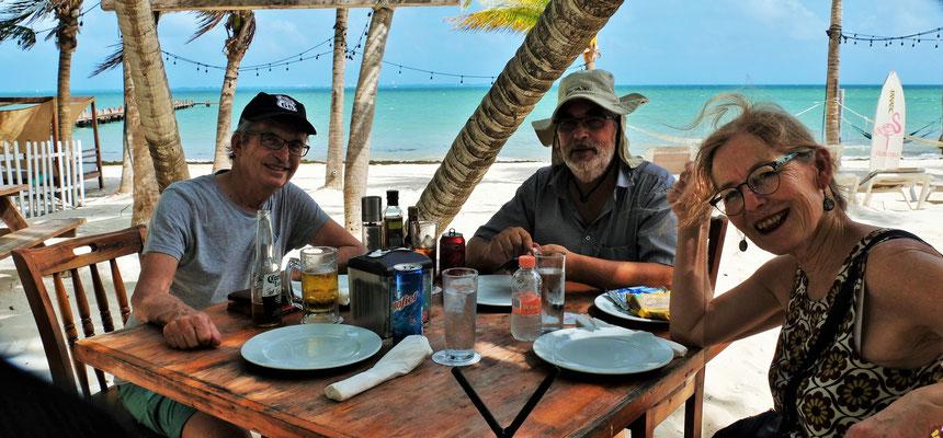 Gemeinsam im Karibikstrand Restaurant